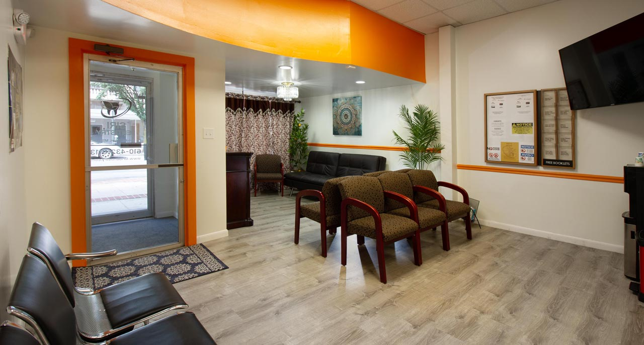 Patient waiting area at Siri Family and Cosmetic Dentistry.